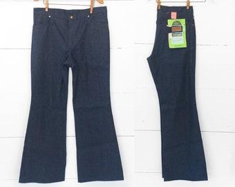 Women's Volup Wrangler Bell Bottom Denim Jeans size 18 36x32