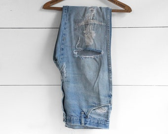34 x 29 | 1970's Destroyed & Re-constructed Baggy Fit Jeans