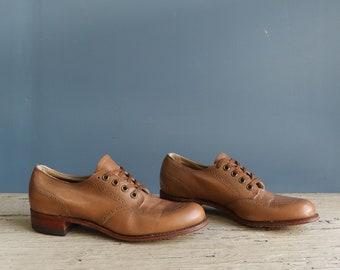 Vintage Women's Shoes - Vintage Women's Wing Tip Shoes - Women's Brown Wing Tip Shoes by Barefoot Freedom - Women's Leather Wing Tip Shoes