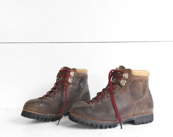 8 | Men's Vasque Mountaineering Hiking Trail Boots
