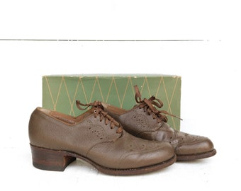 1940's 1950's Barefoot Freedom Cut Out Brown Oxford Heeled Shoes size 5 A