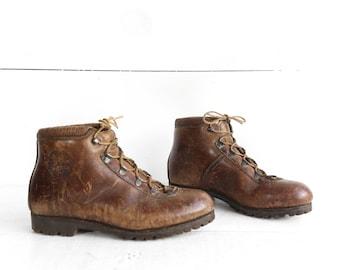 ea2bf25cf Vintage Dunham Hiking Boots