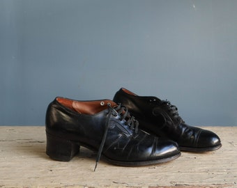 1950's Treadeasy Black Cap Toe Shoes size 5 C