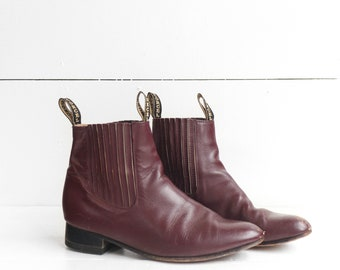 Vintage Chelsea Boots in Burgundy Leather size 8