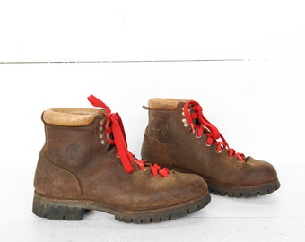 8.5 | Women's Vasque Mountaineering Hiking Trail Boots