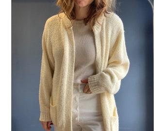 90's Cozy Cardigan Sweater in Cream