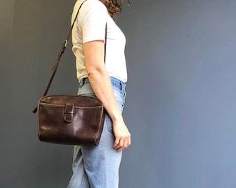 Vintage Coach Leatherware Zip Top Shoulder Bag in Brown