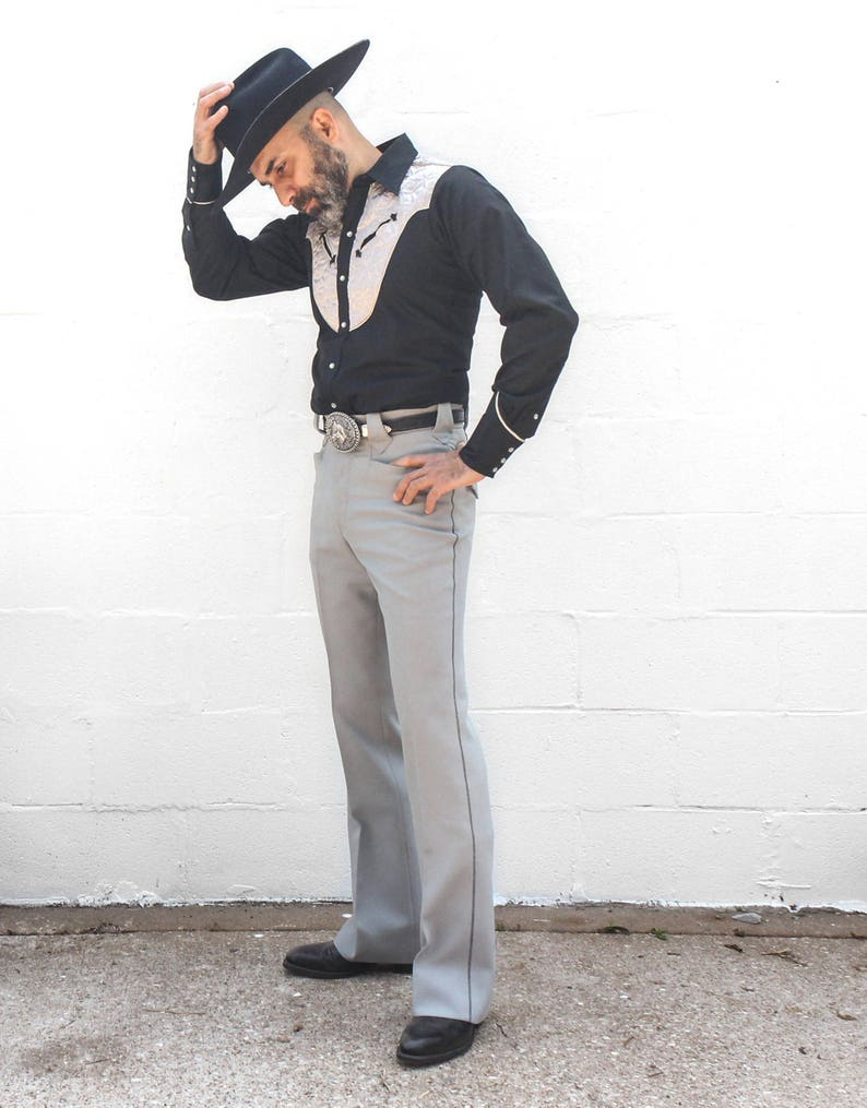 3decc023897 Vinatge Tony Alamo Western Suit Black and Silver Fancy Cowboy Attire Grand  Old Oprey Stagewear