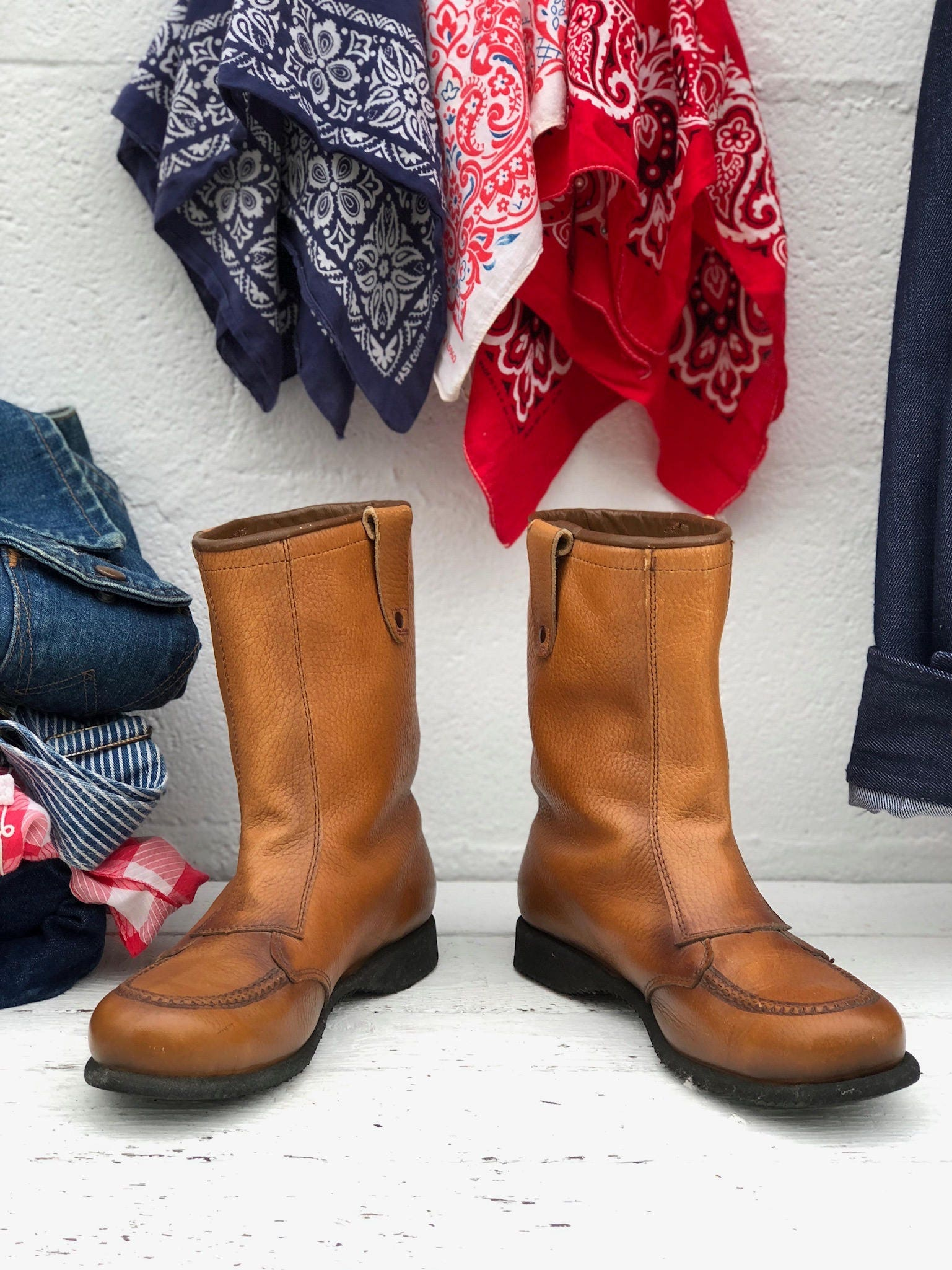 00f57676083 6 C | Women's Red Wing Boots Pull On Winter Moc Toe Work Boots in ...