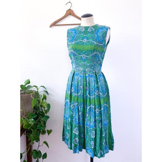 L'Aiglon Green & Blue Paisley Print Linen Style Sl