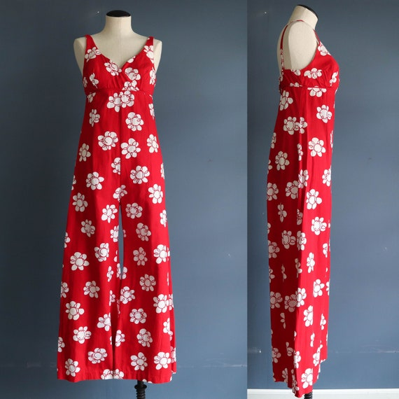 Vintage Red and White Floral Jump Suit 1970s Sleev