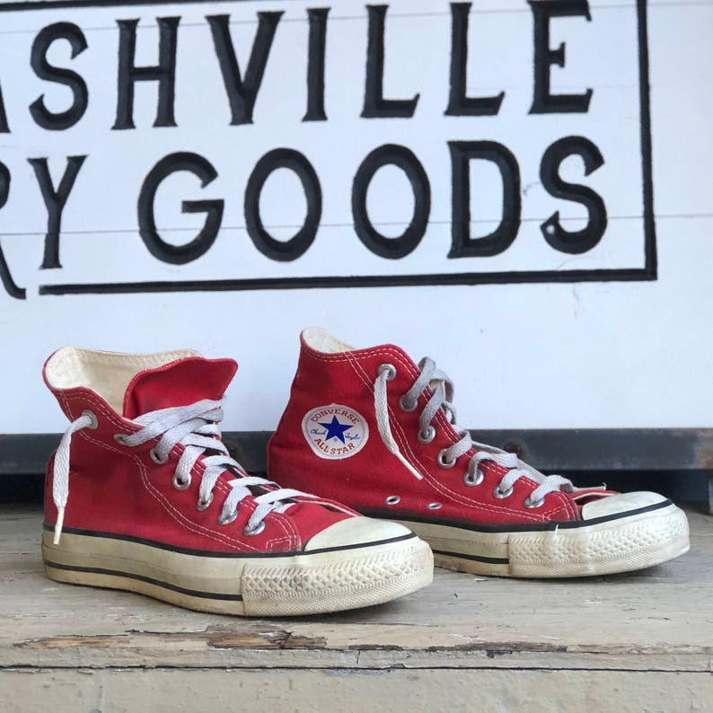 287a1c85f9ba3 Vintage Red Converse Shoes size 5