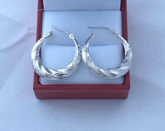 14K White Gold Hoop Swirl Lightweight Stunning Earrings Hallmark