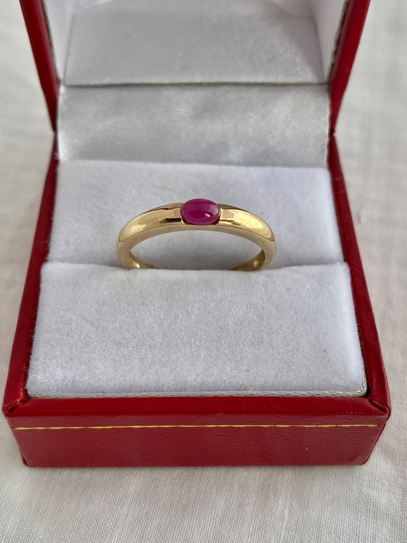 8K Gold Tourmaline Gemstone Solitaire Cabochon IV375 Yellow Gold Ring