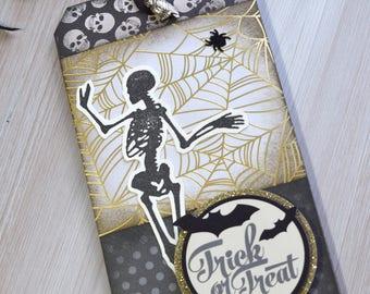 Mixed Media Halloween Keepsake Tag: Golden Trick or Treat
