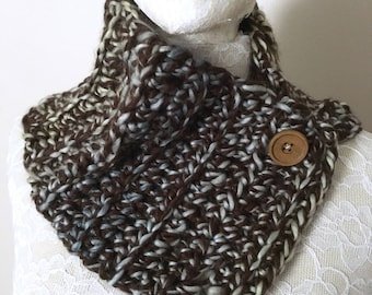 Blue and brown scarflet / Rustic button down cowl
