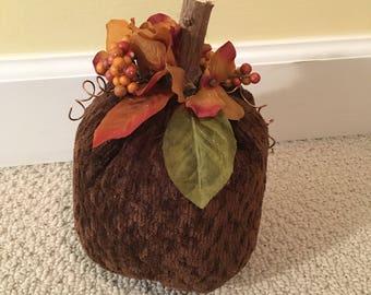Brown velvet pumpkin small