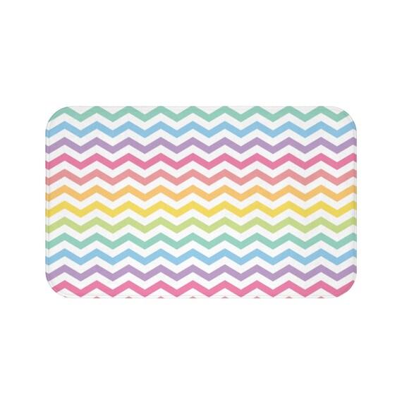 Ähnliche Artikel wie Chevron Pastell Rainbow Badematte Badezimmer ...