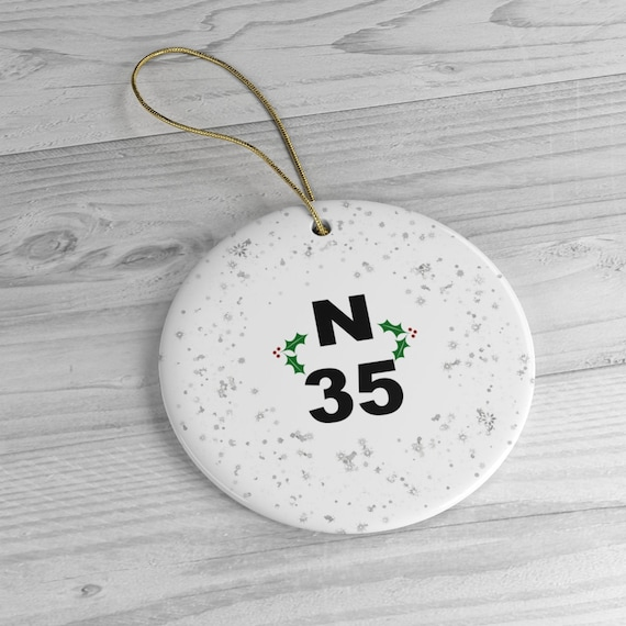 N35 Bingo Ball Snowflakes With Holly Ceramic Christmas Tree Ornament