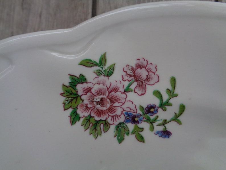 Soviet Vintage Serving Plate; Riga Porcelain Factory Dish 11 28cm Large Plate; White Dish with Floral Pattern; Retro Plate made in Riga