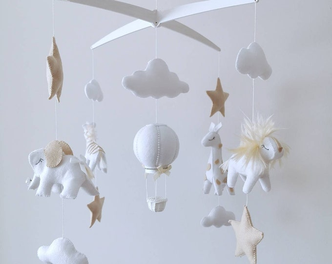 Elegant Safari Baby Mobile, Musical Cot Ceiling Mobile, Hot Air Balloon, Luxury Baby Room, Animal Nursery, Giraffe Lion Zebra Elephant, Zoo