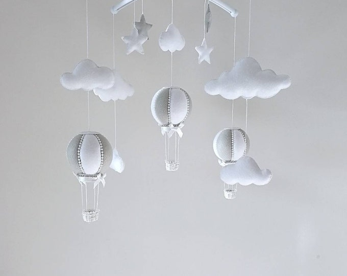 Elegant Baby Cot Mobile , Hot Air Balloon Mobile, Musical Mobile Bebe, Luxury Nursey, Elegant Nursey Decoration, Grey White Nursery, Vegan