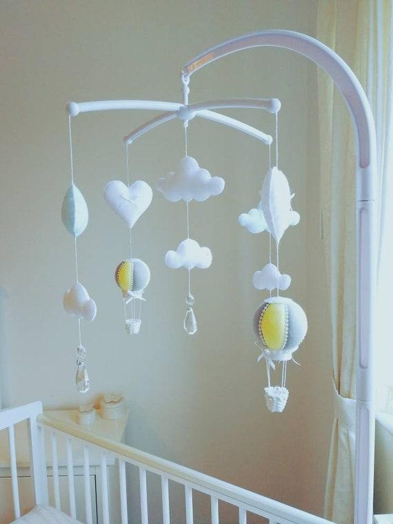Mobile musical bébé décoration jaune et grise déco chambre | Etsy