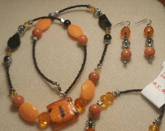 October colors in a 3 piece set of jewelry