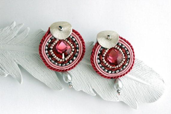 Orecchini soutache rosa con cristalli swarovski Orecchini  6e5ee3cf31b6