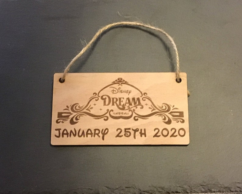 Disney Cruise Line Small Hanging Plaque  Fish Extender Gifts  Ornament exchange
