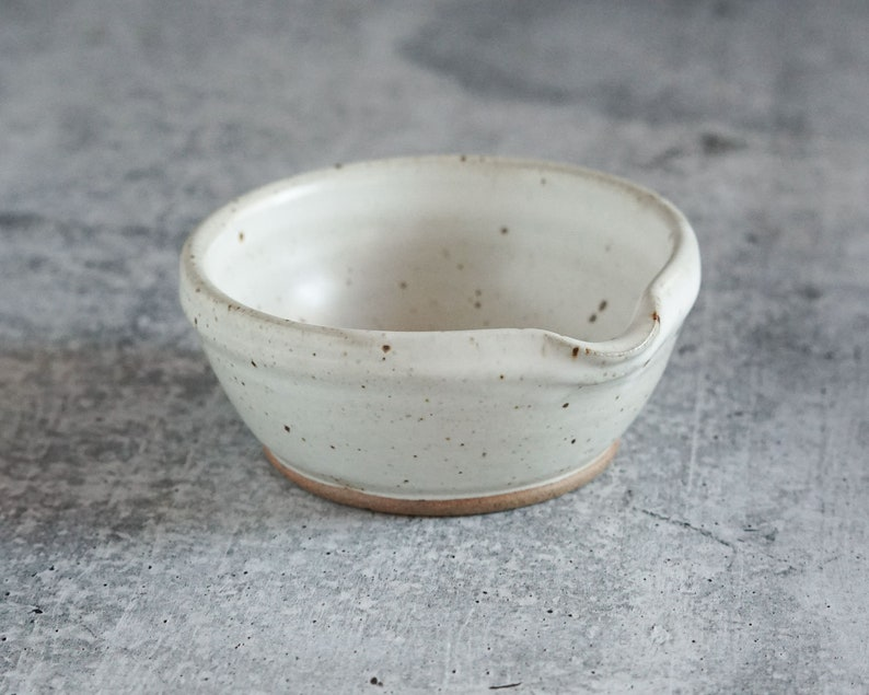 Speckled White Nesting Pouring Bowls set of 2