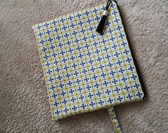 Clutch faux mustard fabric gray, mustard, blue and black