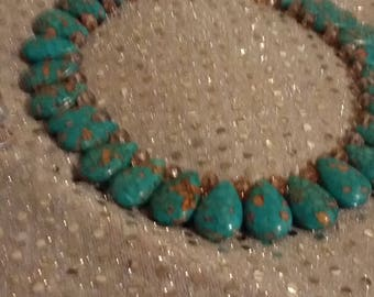 Turquoise necklace with crystals
