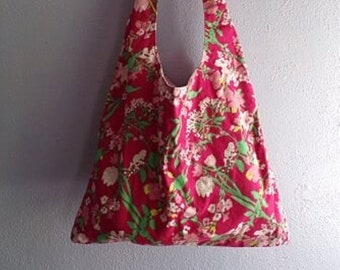 Hobo style fabric shoulder bag