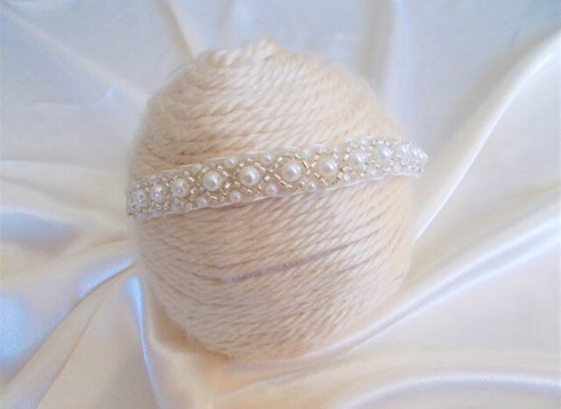 Ready to Ship Angel Baby Headband Baby Elastic Headpiece Photoprop White Rhinestone Pearl Babygirl Headband 0-2 Ages Cute Handmade Crown