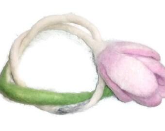 Snowdropflower Plantbracelet Merinowool felt Realflowerbracelet Flowergirlbracelet Naturebracelet Wooljewelry Bohojewelry