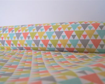 Coupon printed colored triangles, 50 x 50 cm, fabric cotton