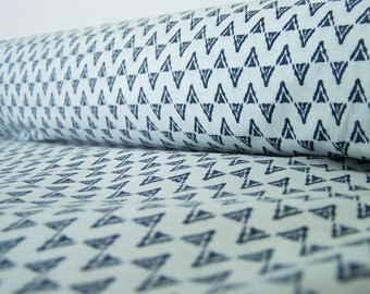 White triangles coupon ethnic blue, 50 x 50 cm, cotton fabric