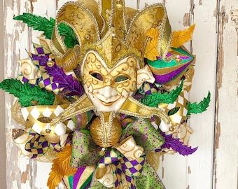 Mardi Gras Wreath, Mardi Gras Decor, Mardi Gras mask, wreath with mask, masquerade decor, masquerade party, masquerade mask decor