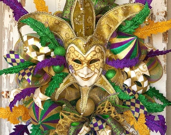 Large Mardi Gras Wreath, Mardi Gras Decor, Carnival wreath, wreath with mask, jester mask wreath, deco mesh Mardi Gras, masquerade decor