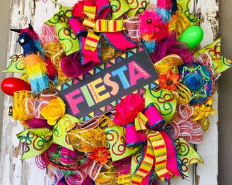 Fiesta Wreath, Fieasta Party, Fiesta decorations, Cinco de Mayo wreath, cinco de Mayo decor, fiesta theme, fiesta San Antonio, piñata party