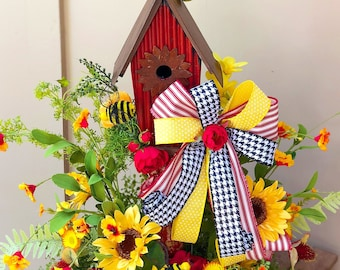 Birdhouse and Bumblebee Summer Centerpiece