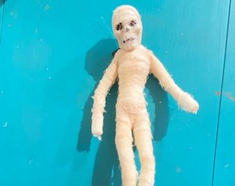 "14.5"" flexible mummy wreath attachment"