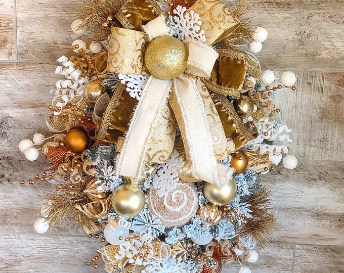 Featured listing image: Christmas Wreath, Farmhouse Christmas Wreath, Traditional Christmas Wreath, Gold Christmas Wreath, Winter Wreath, Wreath for Front Door