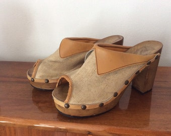 731e71487 Wooden shoes sandals vintage  80