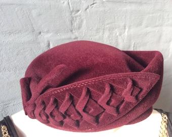 Vintage Lady heat bordeaux red