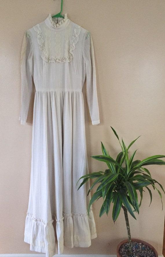 1970s Victorian/Gunne Sax style gown/dress