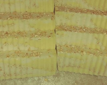 Shea Butter Honey Oatmeal Soap Bars Decorative HoneyBee Hand soaps