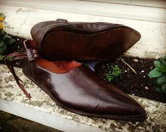 cf46e0fbda Chaussures médiévales basses Modèle