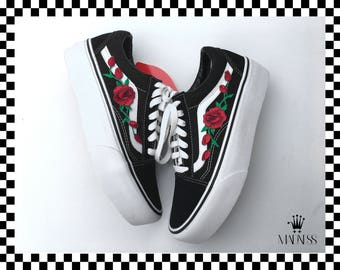 562bbf70ba Platform sole Vans Old Skool custom rose floral patch unisex sneakers